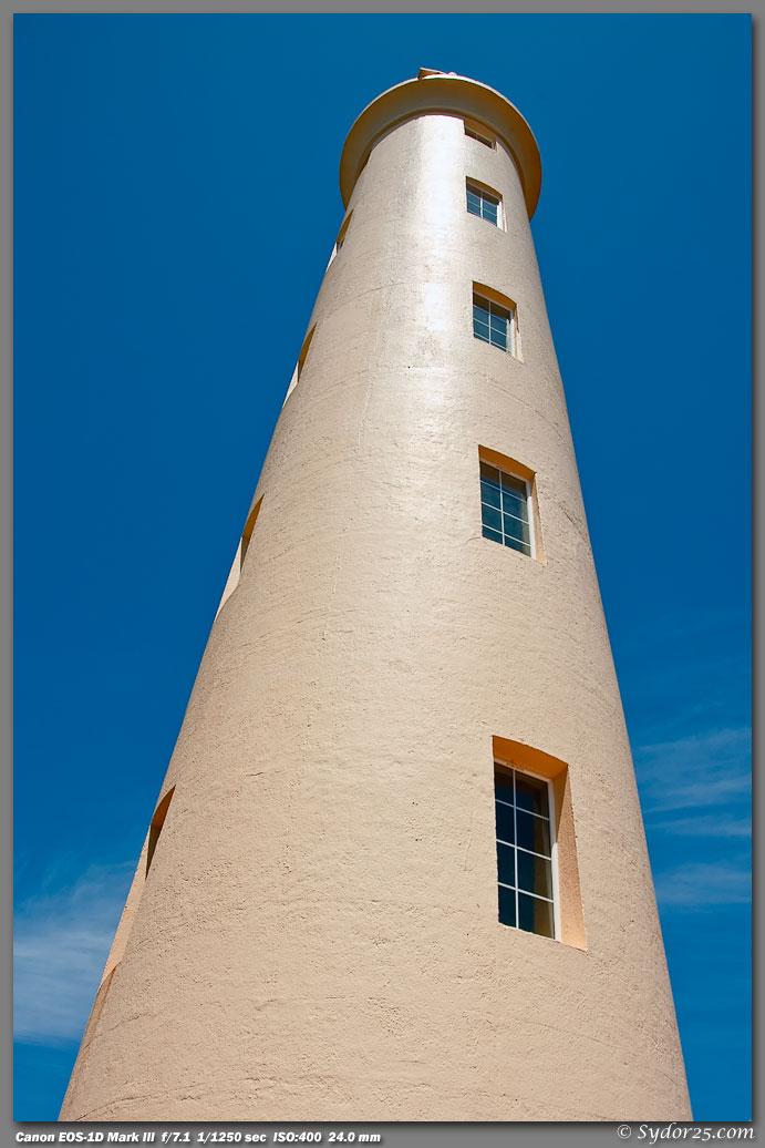 IMAGE: http://sydor25.com/Pictures/Kauai_5.09.09-0589.jpg