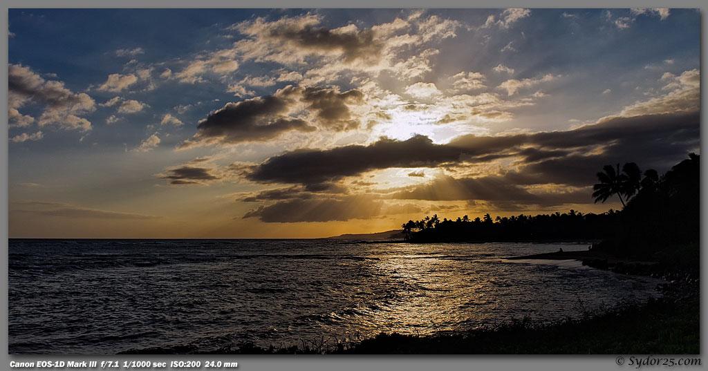IMAGE: http://sydor25.com/Pictures/Kauai_5.12.09-0076_10x20.jpg