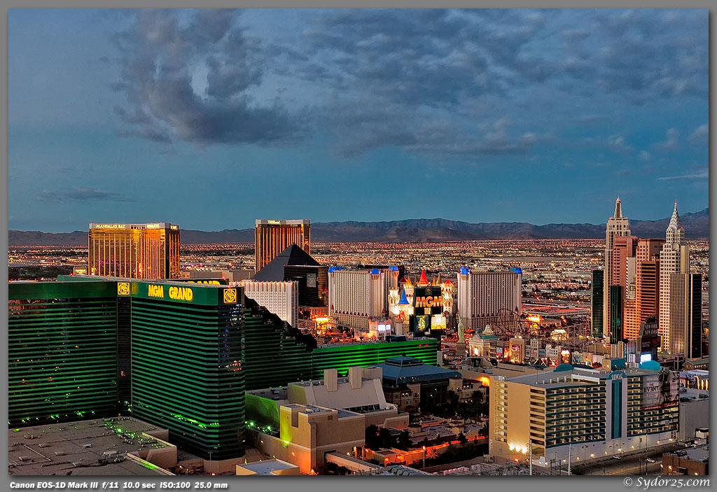 IMAGE: http://sydor25.com/Pictures/Las_Vegas_10.4.10-0011_12x18.jpg